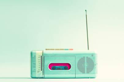 Engineers create world's smallest FM radio transmitter from graphene