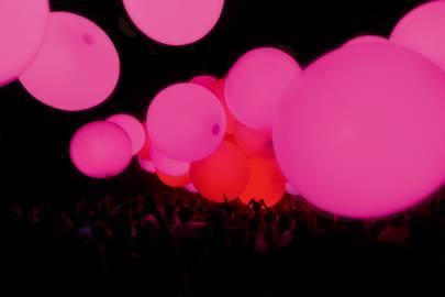 Floating Spheres of Omura