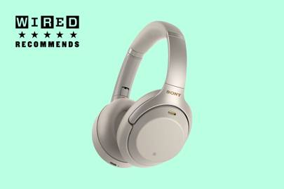 386575a0128fc5 Type: Over-ear | Wireless: Yes | Bluetooth: aptX HD 4.2 | Battery life:  30hr | Remote: n/a | Finishes: 2 | Weight: 255g | Cable: 1.2m | Noise  cancelling: ...