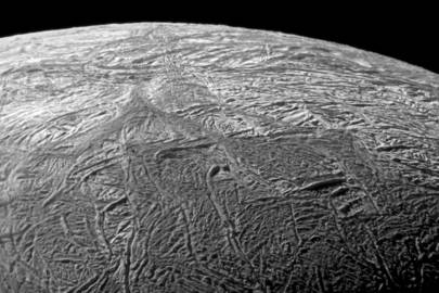 A close-up of the fractures on Enceladus taken by Cassini during its flyby on 21 November, 2009. The area, about 504 kilometers across, focuses on Baghdad Sulcus, a fracture in the south polar region