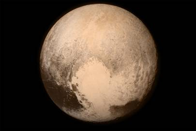 Pluto photographed by New Horizons from a distance of 476,000 miles