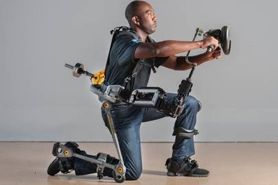 Exoskeleton makes workers 27 times more efficient