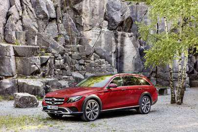 Mercedes on track to overtake BMW as the world's top luxury car brand