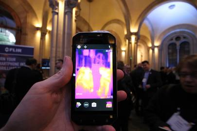 This thermal imaging phone lets you see like Predator