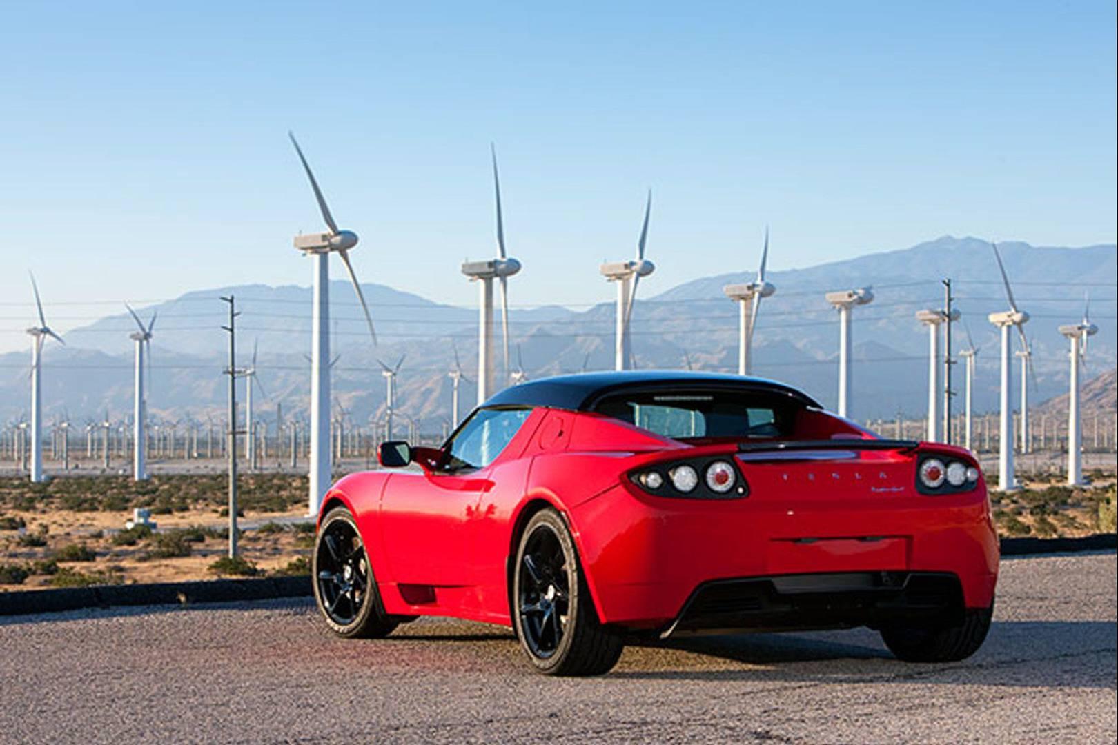 8a9e64e3e Garages fear Tesla s plans to phase out car servicing