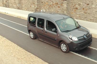 Qualcomm Tests Dynamic Charging System On Renault Kangoo