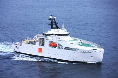 The Pierre de Fermat, a ship specially designed for undersea cable repair jobs, uses GPS and manoeuvrable thrusters to stay in exactly the right position