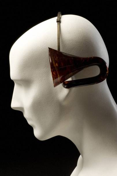 Acoustic headband with ear trumpets, Europe, 1901-1930