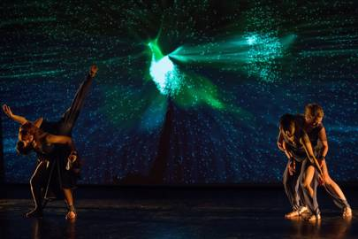 Hidden Fields: Version 1 (2012) and Version 2 (2013-2015) Choreographed by Laura Kriefman