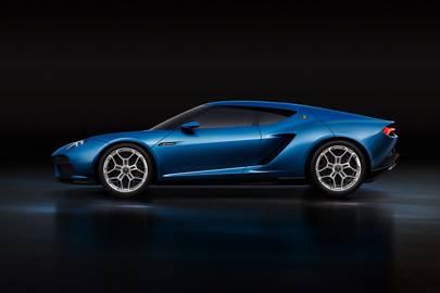 Lamborghini builds 900HP electric hybrid