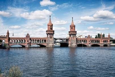 How Oberbaum Bridge should look