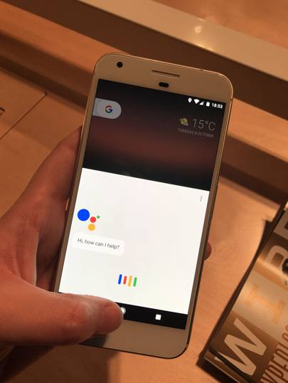 Google Pixel review: what the hardware lacks, the software more than makes up for