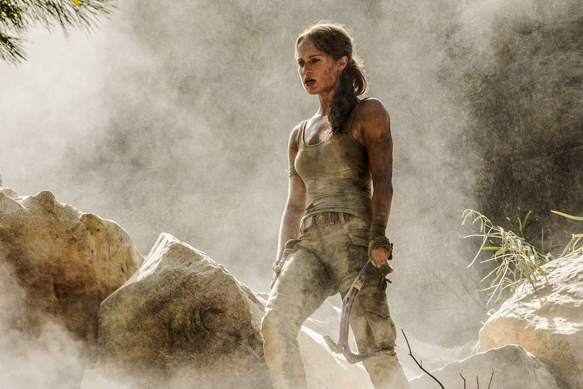 Tomb Raider Review New Movie Solves A Common Problem In Video