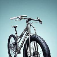 Titanium single-track steed:Jeff Jones SpaceFrame mountain bike