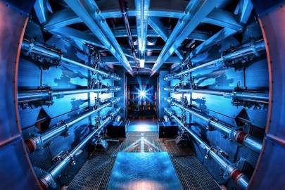 Amplifiers to increase the laser power at NIF