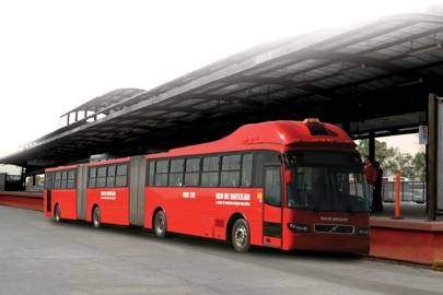 Volvo unveils huge 300-passenger bendy bus for Rio roads - Technology Updats