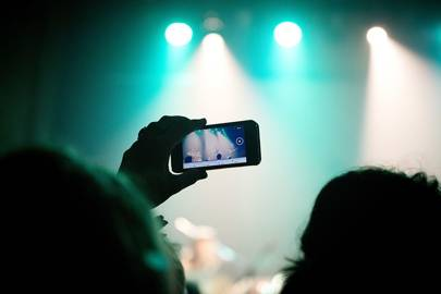 Apple patents iPhone tech to stop filming at gigs