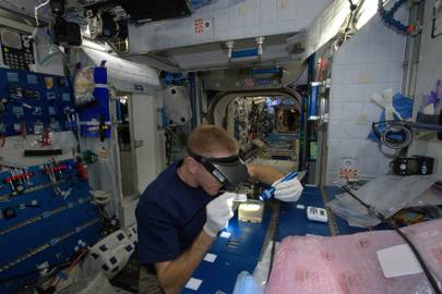 Tim Peake: Advanced Colloids Experiment