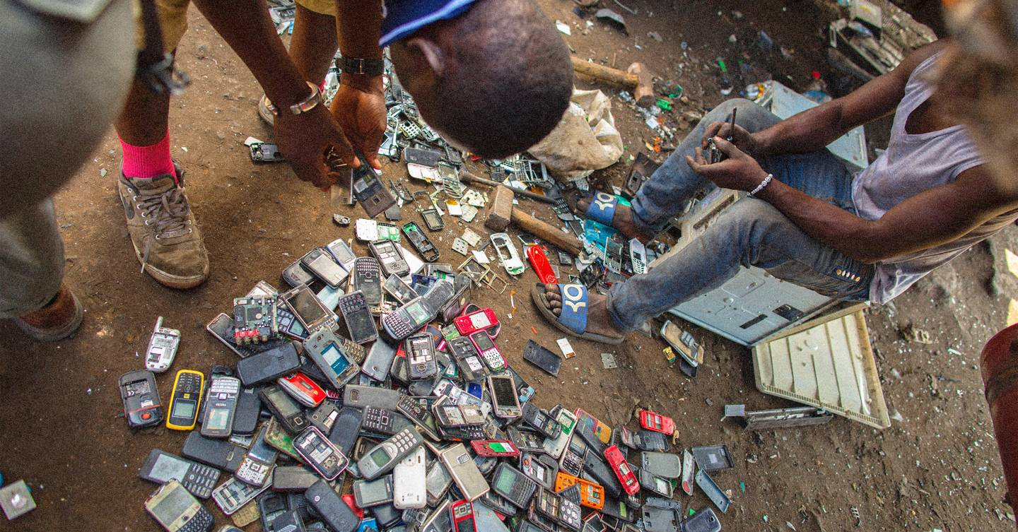 Your old electronics are poisoning people at this toxic dump in Ghana