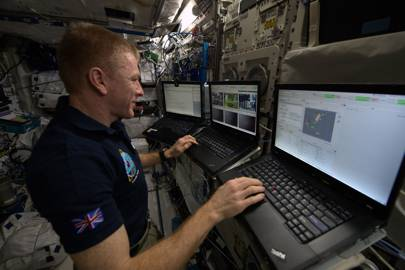 Tim Peake: controlling a rover from space