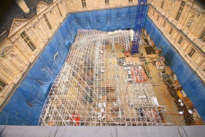 A double lattice system of steel tubes, varying in thickness between 4mm and 12mm, was added