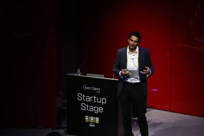 Avtar Sehra, CEO of Nivaura, pitches on the WIRED Money 2016 Startup Stage
