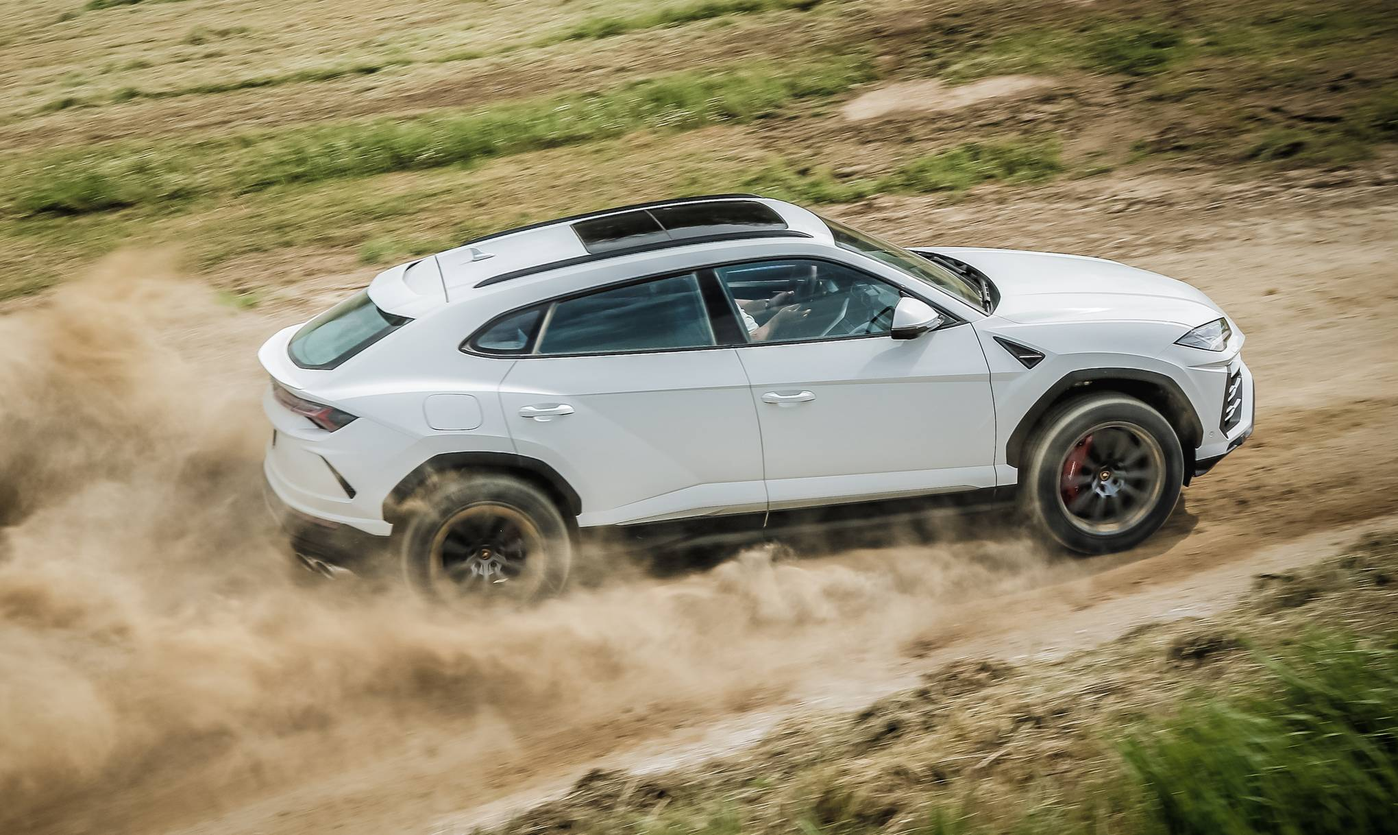 Review Lamborghini S Urus May Just Be The Perfect All Round Car