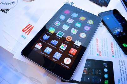 Sailfish OS: it's not Android, but it runs its apps (hands-on)