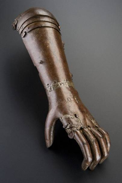 Iron artificial arm (Maker unknown, Germany, c.1560-1600)