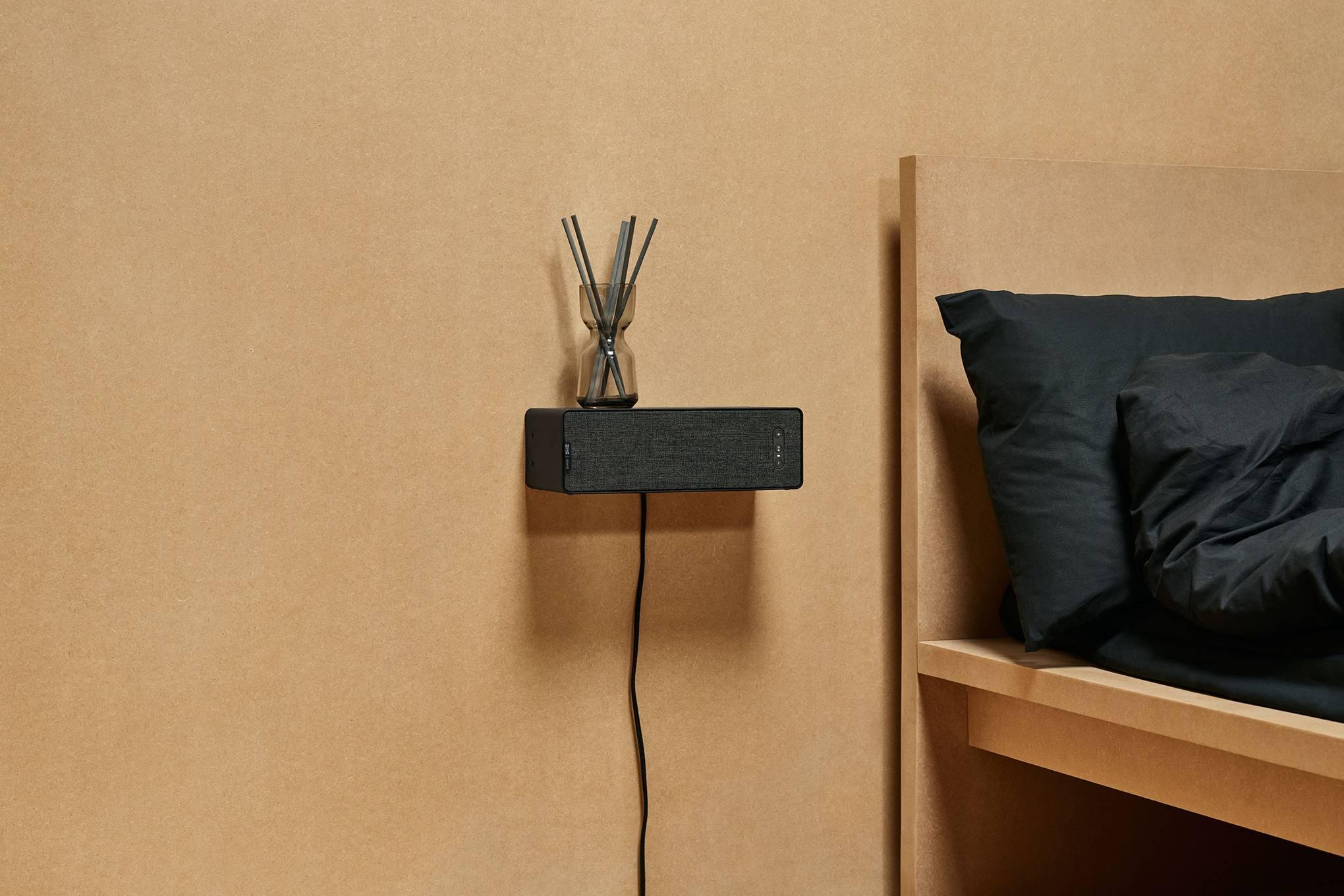 sonos led undercabinet light and speaker