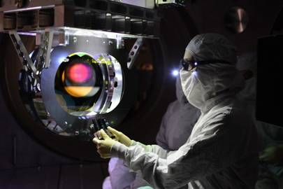 Large optic inspection of the LIGO equipment