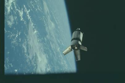 AS07-3-1550 Apollo 7 Hasselblad image from film magazine 3M - Earth Orbit