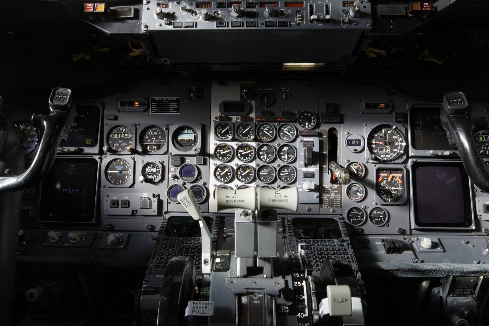 The importance of typography in aircraft piloting systems