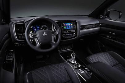 Mitsubishi Outlander PHEV 2019 review: This isn\'t the hybrid SUV you ...