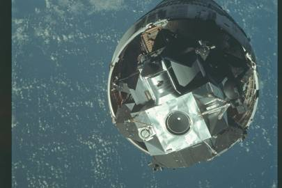 AS09-19-2922 - Apollo 9 Hasselblad image from film magazine 19A - Earth Orbit; EVA