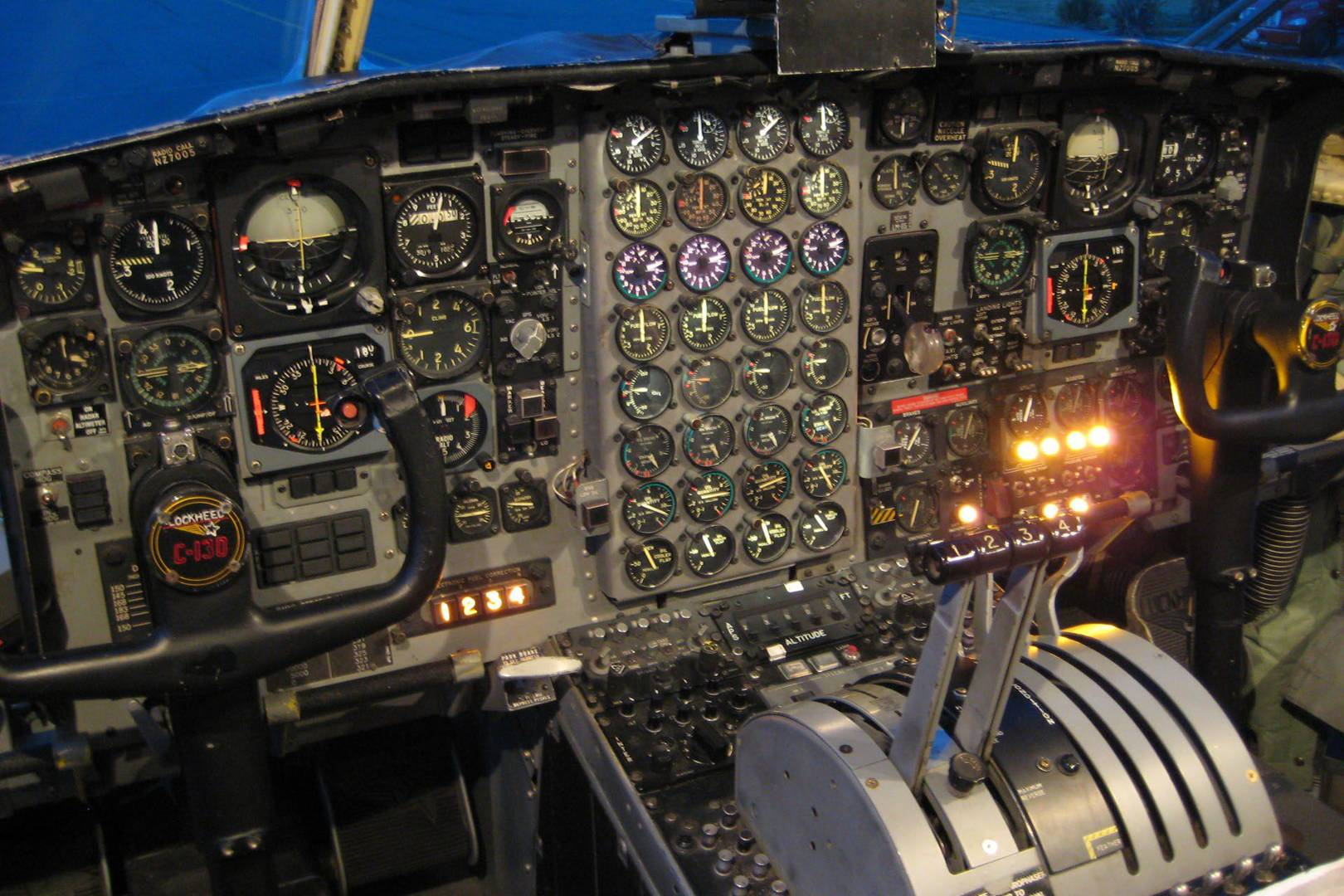 The importance of typography in aircraft piloting systems | WIRED UK