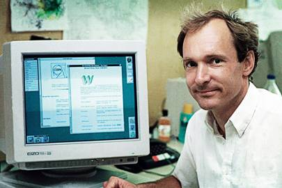 Tim Berners-Lee at his desk in CERN, 1994