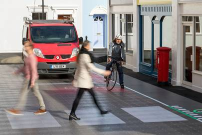 Crossing detects pedestrians using phones