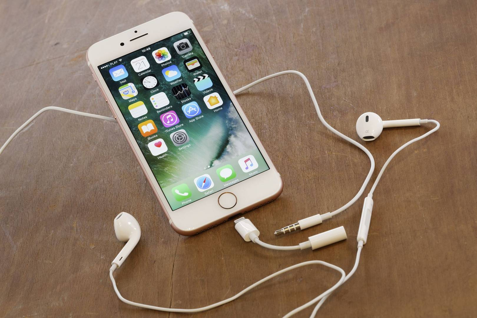 iOS 10 update has a massive security flaw   WIRED UK