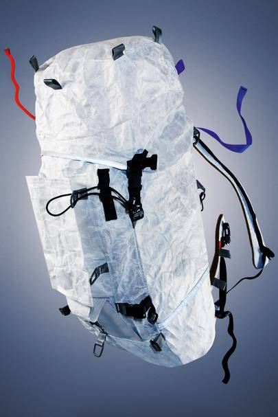 The Dyneema fabric has a yield strength of 2.4GPa, which is comparable to steel. Plus, an ultralight inflatable framesheet shifts the weight-bearing spots on your pack for a comfy fit