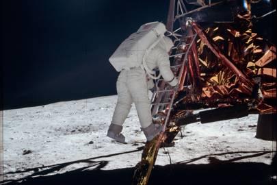 AS11-40-5868 - Apollo 11 Hasselblad image from film magazine 40S - EVA