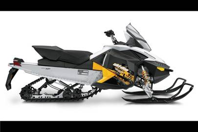 Smooth-riding snow mobile