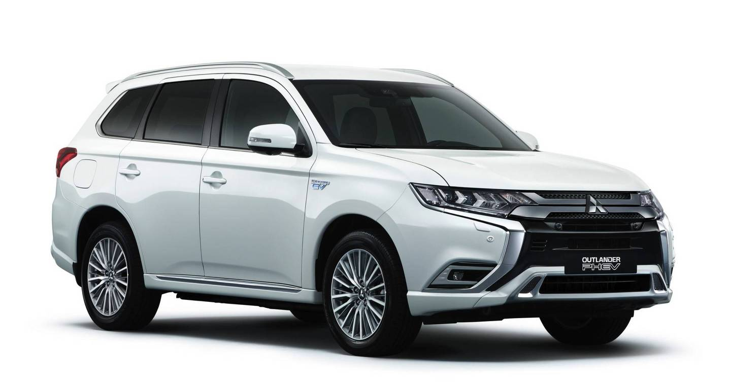 mitsubishi outlander phev 2019 review this isn t the hybrid suv you ve been waiting for wired uk. Black Bedroom Furniture Sets. Home Design Ideas