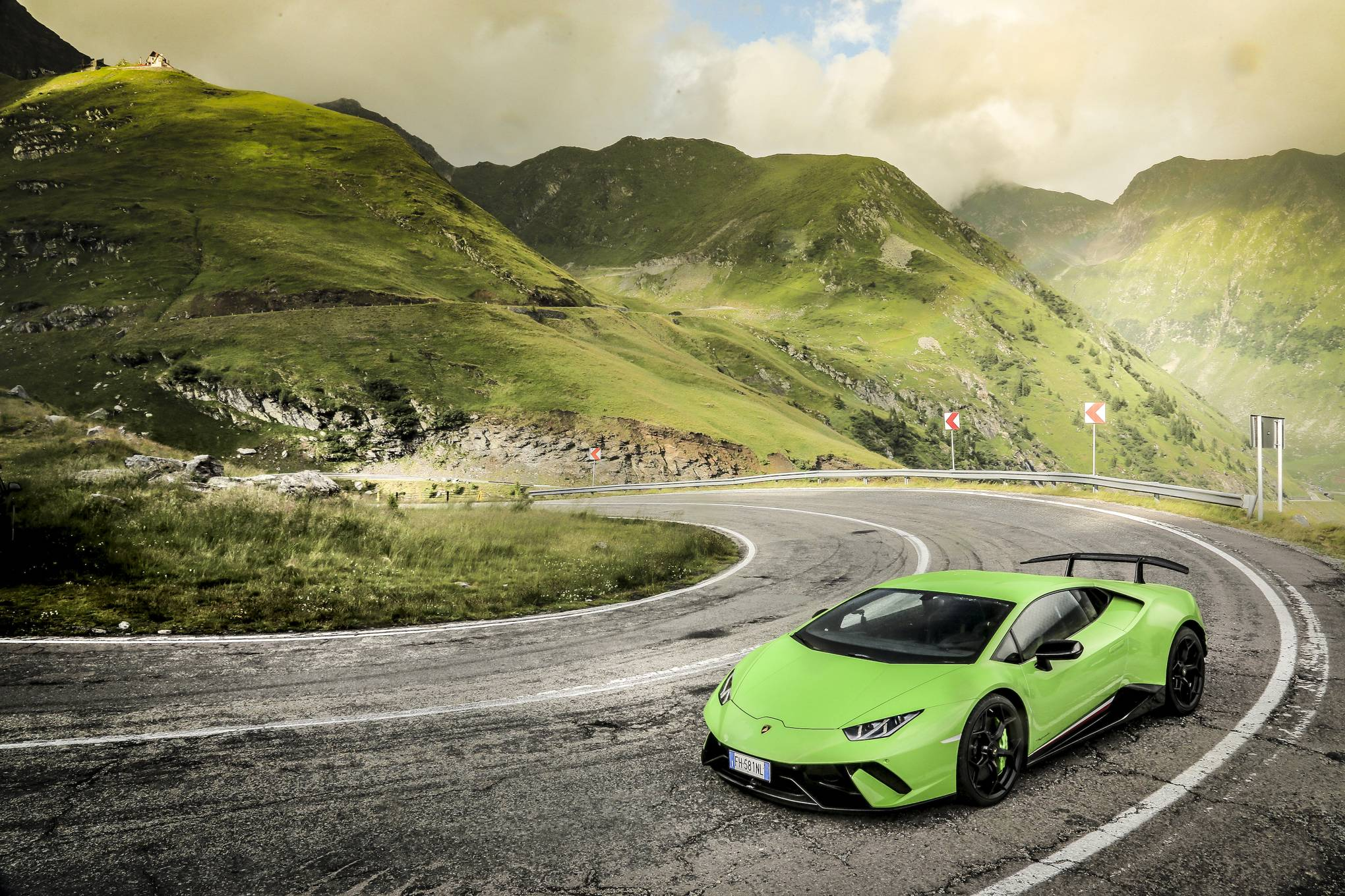 Lamborghini Huracán Performante Review: The Last Of The Old Guard Supercars  | WIRED UK