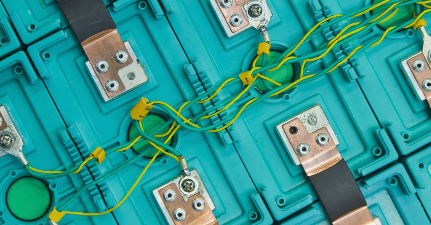 The explosive race to totally reinvent the smartphone battery | WIRED UK