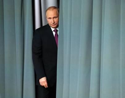 As Putin's reelection looms, online propaganda wars rage in Russia