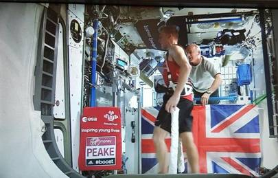 Tim Peake completes the London Marathon