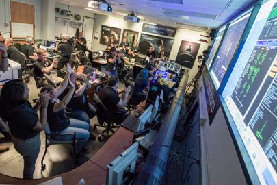 New Horizons alive and well after historic Pluto flyby