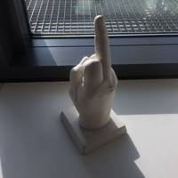 "Vestager's ""Fuck Finger"", a gift from a Danish trade union"