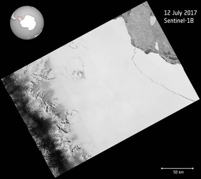 Copernicus Sentinel imagery showing Larsen C cracking to become iceberg A68